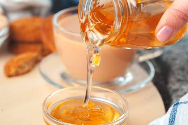 10 волшебных свойств воды с лимоном и медом натощак, которые преобразят ваше тело