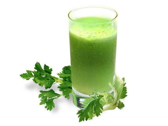 Как принимать, польза и вред сока петрушки для здоровья организма