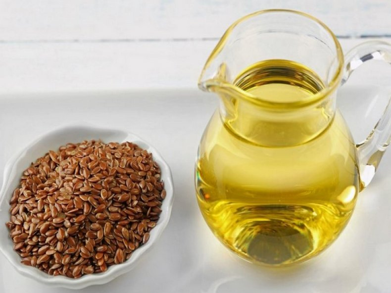 Льняное масло: как извлечь из доступного продукта максимум пользы для своего здоровья и красоты