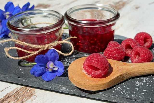 Чай из веток малины: польза и вред напитка, основные рецепты