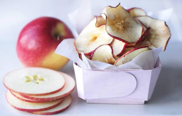 Сушеные яблоки: польза для детей и взрослых. польза для здоровья сушеных яблок, вред для организма