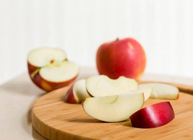 Наливные яблочки для кормящей мамочки: доступный и полезный фрукт