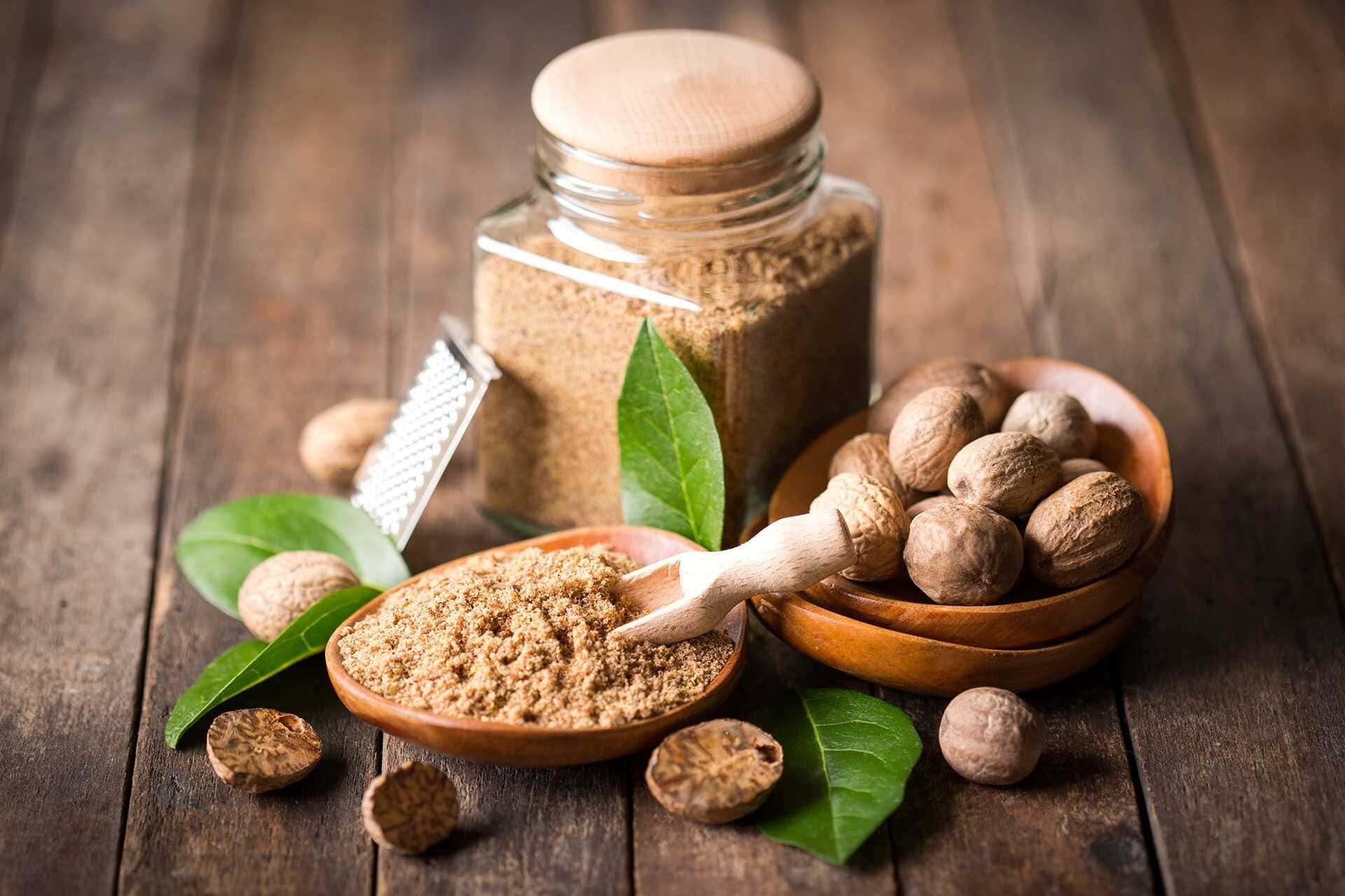 Мускатный орех – целебные свойства и возможный вред