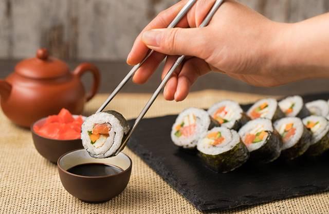 Можно ли есть суши на диете. как правильно рассчитать калории, заказывая суши