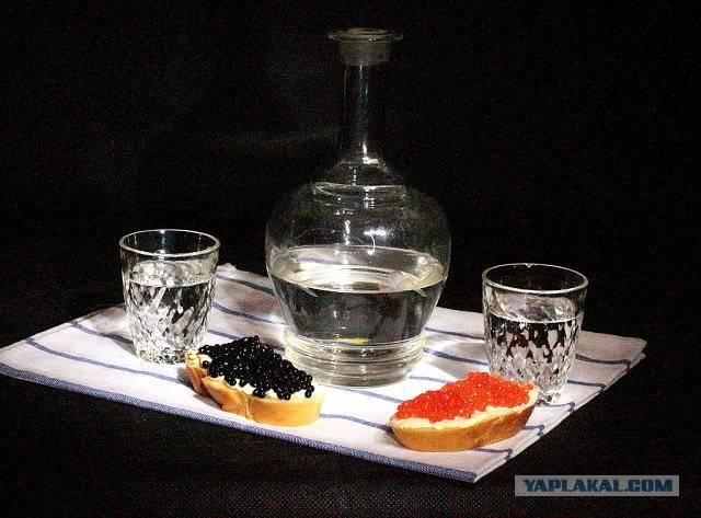 Как правильно пить водку и чем закусывать