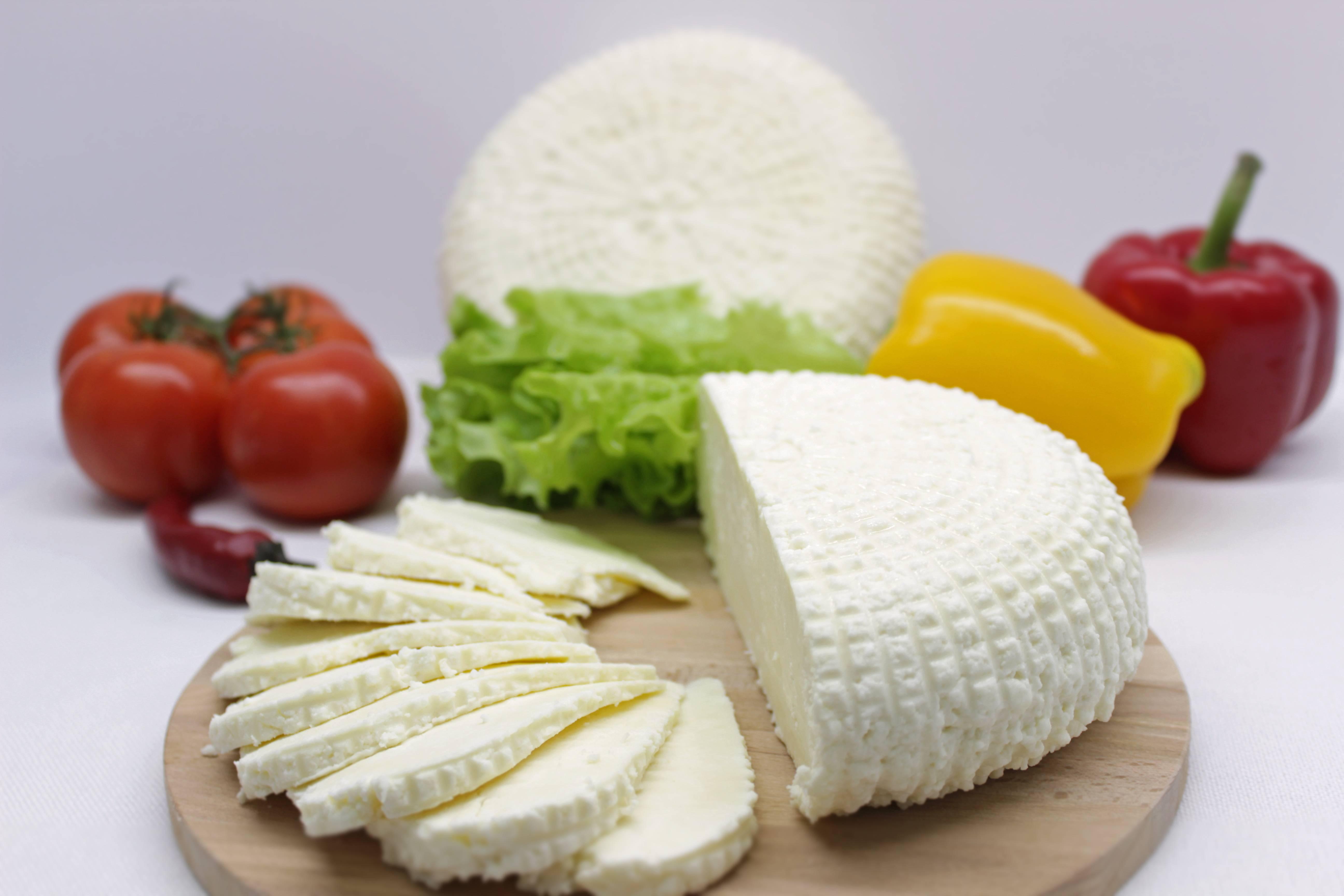 Адыгейский сыр — польза и вред, состав, применение и калорийность
