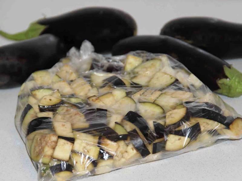 Проверенные способы хранения баклажанов на зиму и как заморозить овощ в домашних условиях, также в свежем виде?