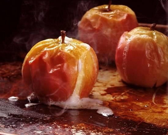 Печеные яблоки — польза