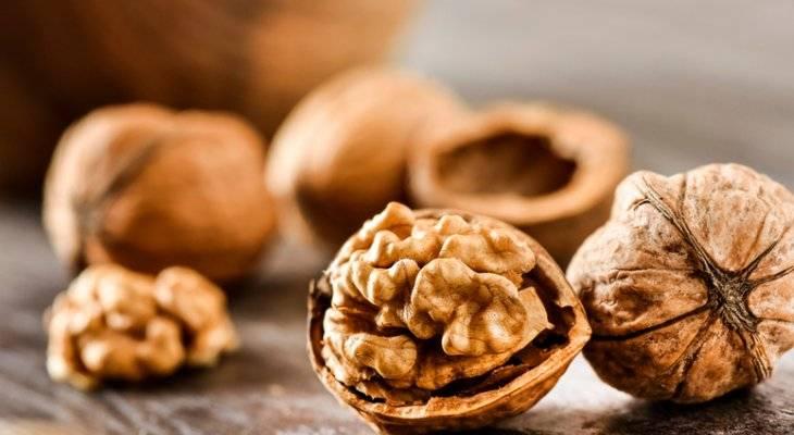 7 рецептов из грецких орехов для чистки сосудов от холестерина