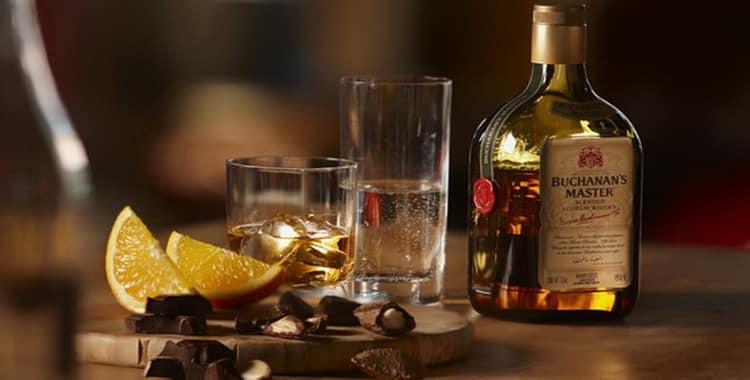 Как правильно пить и чем закусывать виски?