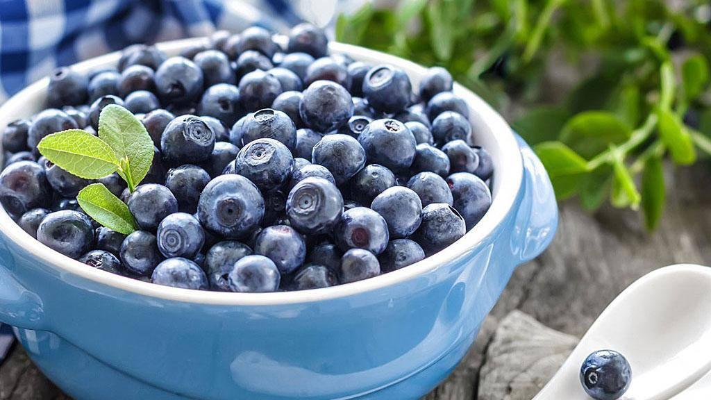 Самые полезные ягоды и фрукты. топ-10 самых полезных ягод
