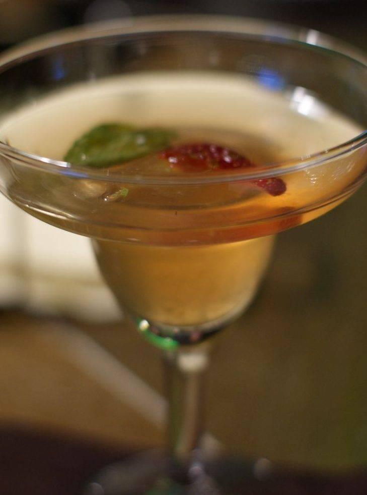 Как пить ром правильно и чем закусывать