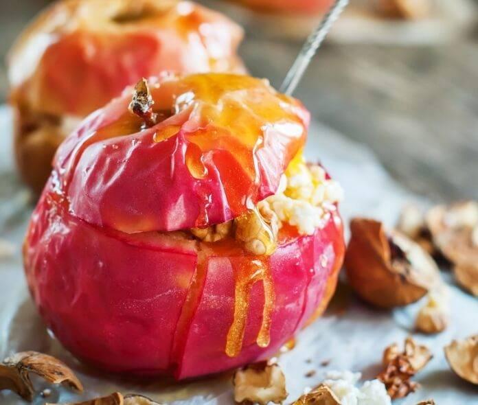 Как запечь яблоки в микроволновке