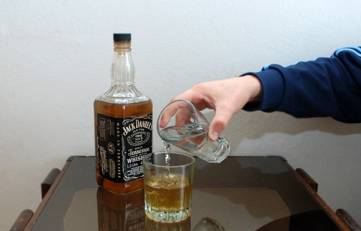 Как пить «джим бим»