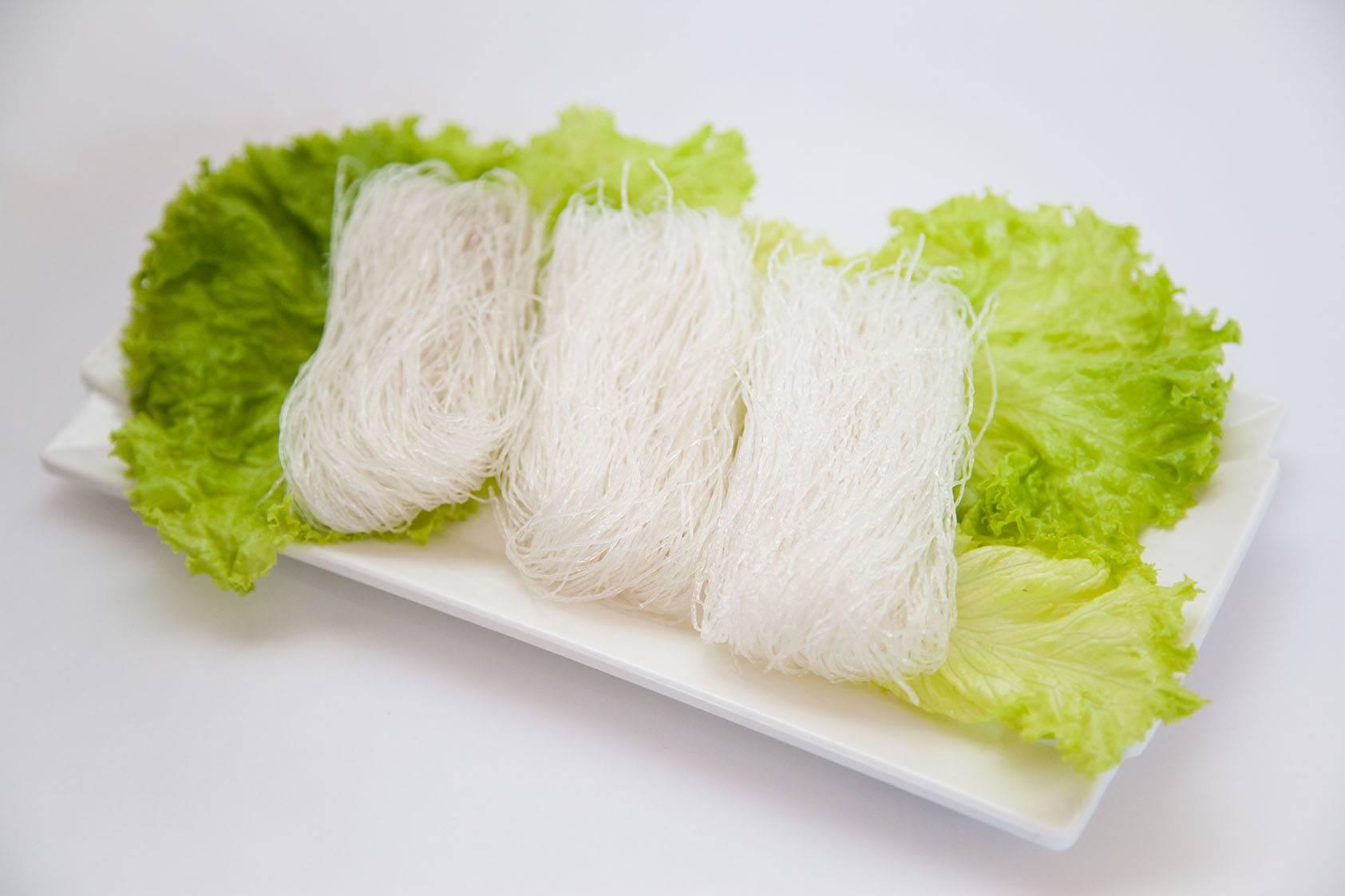 Стеклянная вермишель фунчоза: польза для организма, влияние на похудение и применение в кулинарии