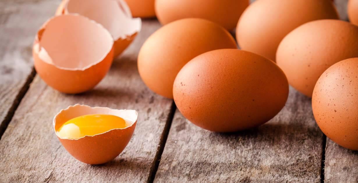 Сырые яйца в питании: польза или вред?