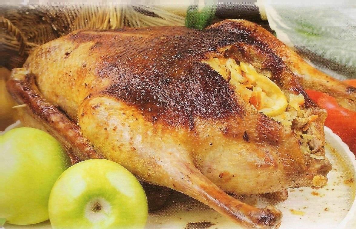 Гусь запеченный в духовке — простые и вкусные рецепты гуся, чтобы мясо было сочным и мягким