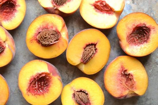 Персик: польза и вред для здоровья человека. целительные свойства плодов для организма женщин и мужчин