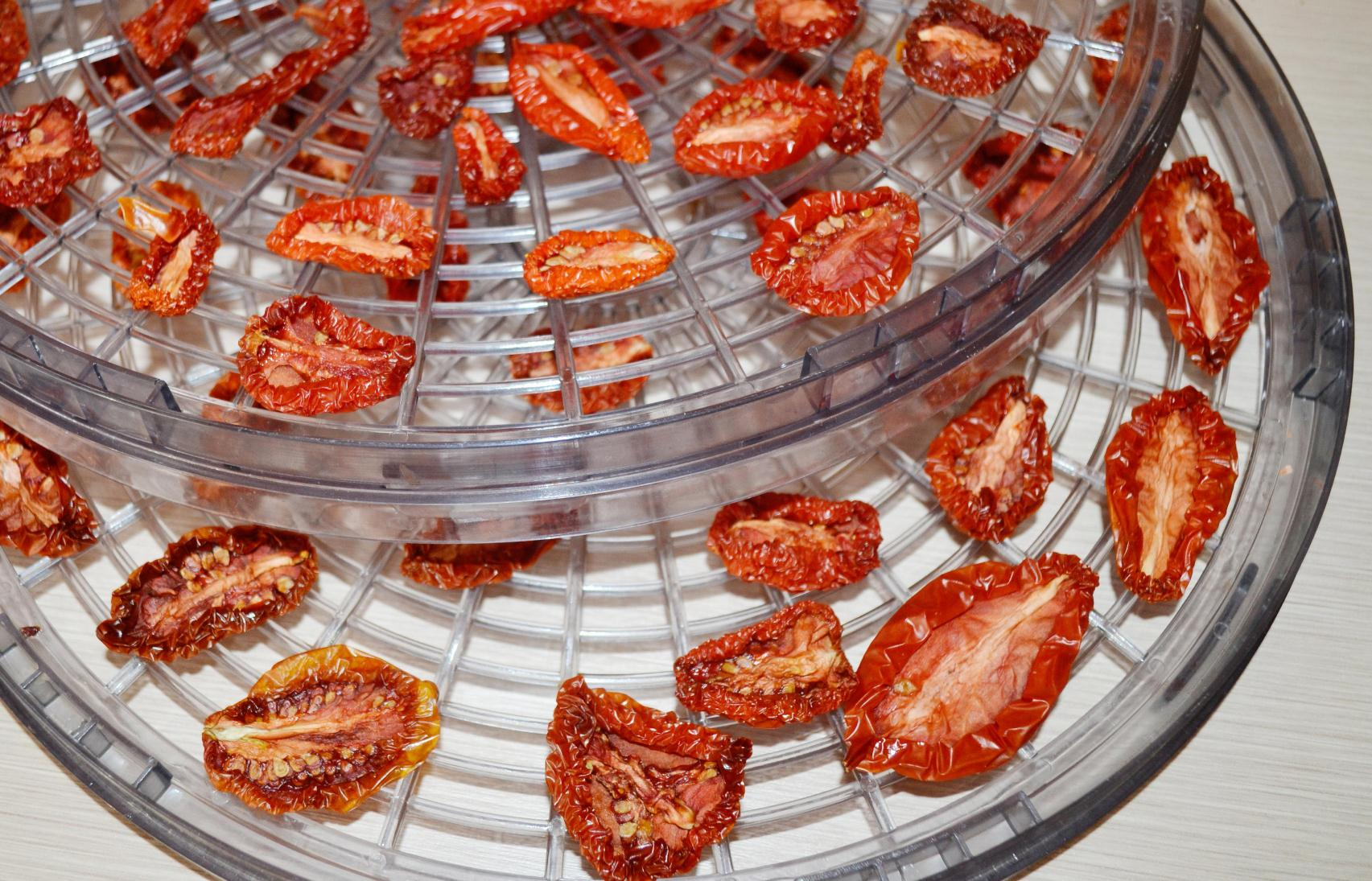 Вяленые помидоры в электросушилке