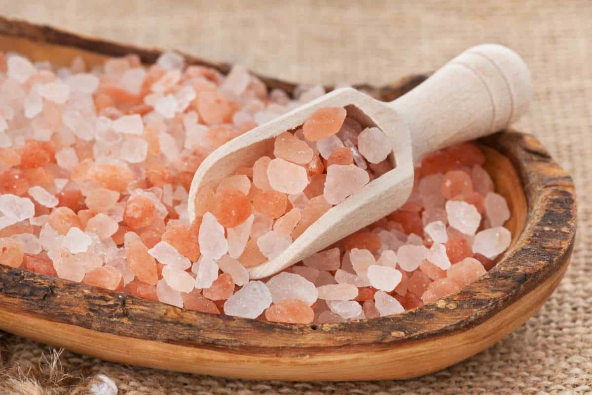 Родом из гималаев: полезные свойства розовой соли