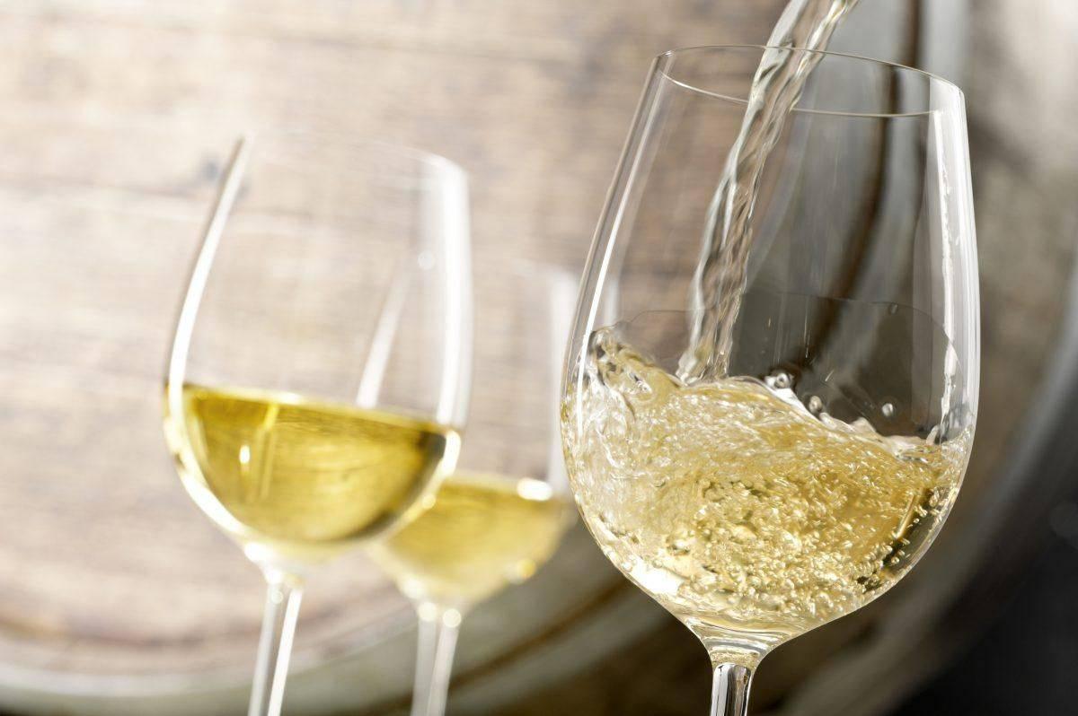 Белое вино: польза и вред напитка для мужчин и женщин