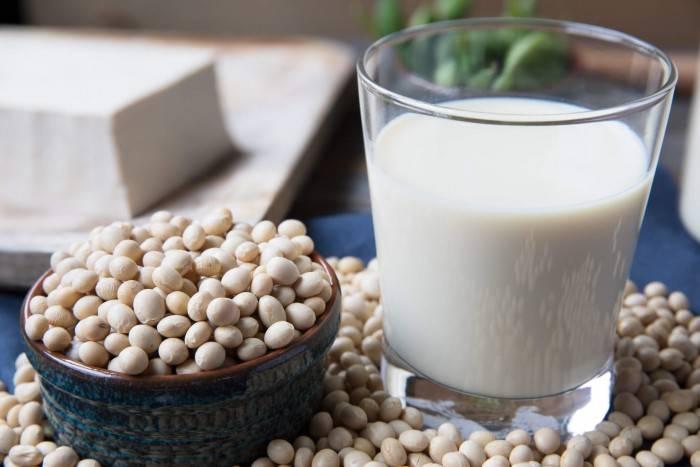 Соевое молоко польза и вред, чем полезно, калорийность и состав