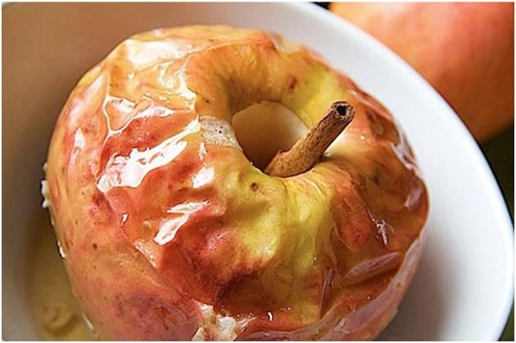 Печеные яблоки в духовке: польза и вред для организма