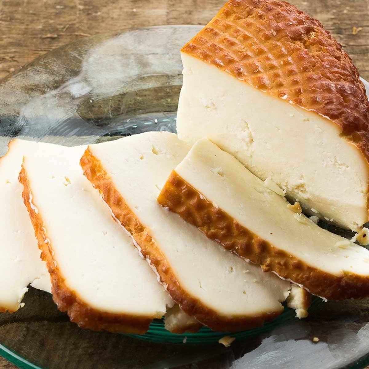 Сыр косичка: польза и возможный вред