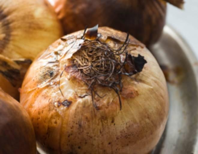 Румяный аппетитный печеный лук — польза при диабете и для здоровья в целом. какой может быть вред от печеного лука?