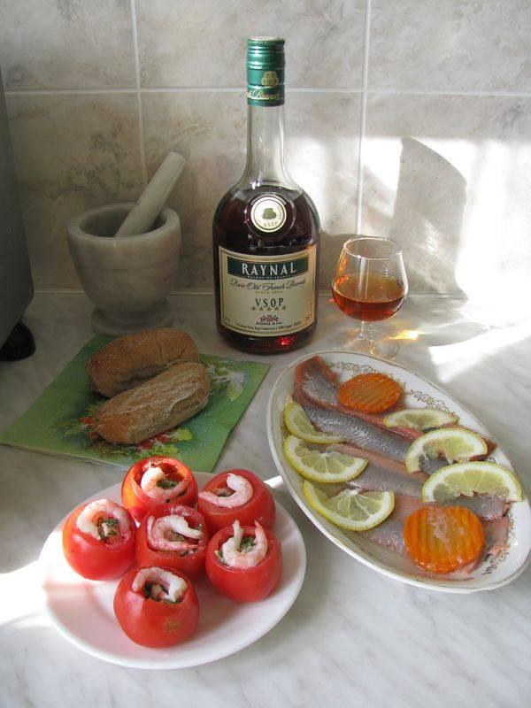 «кальвадос»: как правильно пить и чем закусывать этот напиток?