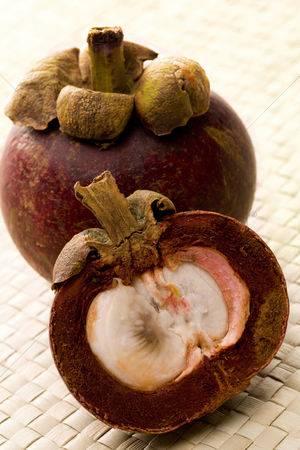 Мангостин – как есть фрукт и его полезные свойства