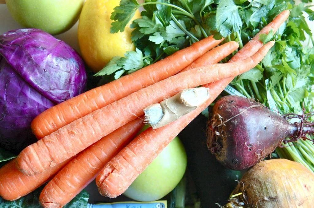 Топ-10 сезонных продуктов июня: делаем покупки с пользой для здоровья и кошелька