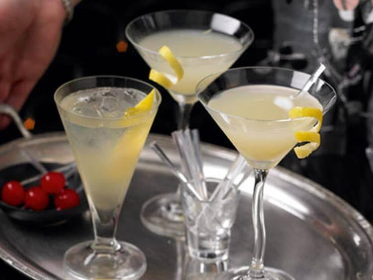 С чем лучше пить мартини? какой должна быть закуска?