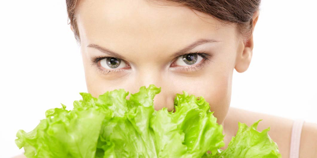 Листовой салат: польза для женщин и мужчин, возможный вред. в чем состоит польза салата и как избежать вреда?