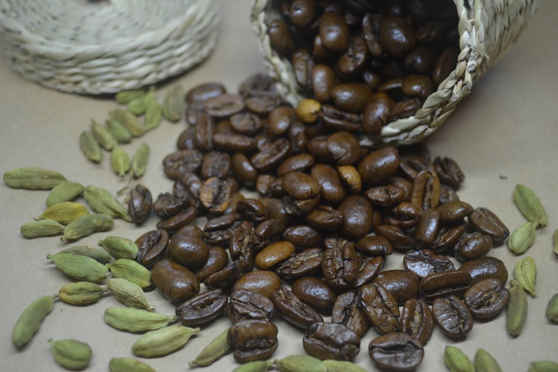 Кофе с корицей: полезные свойства и вред