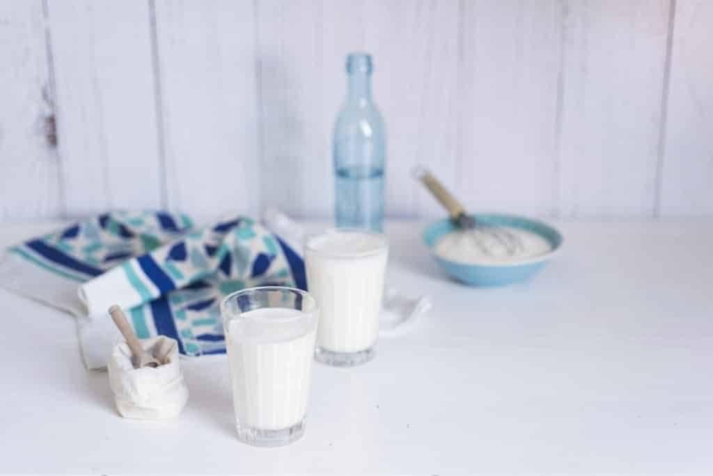 Айран — польза и вред кисломолочного напитка долгожителей