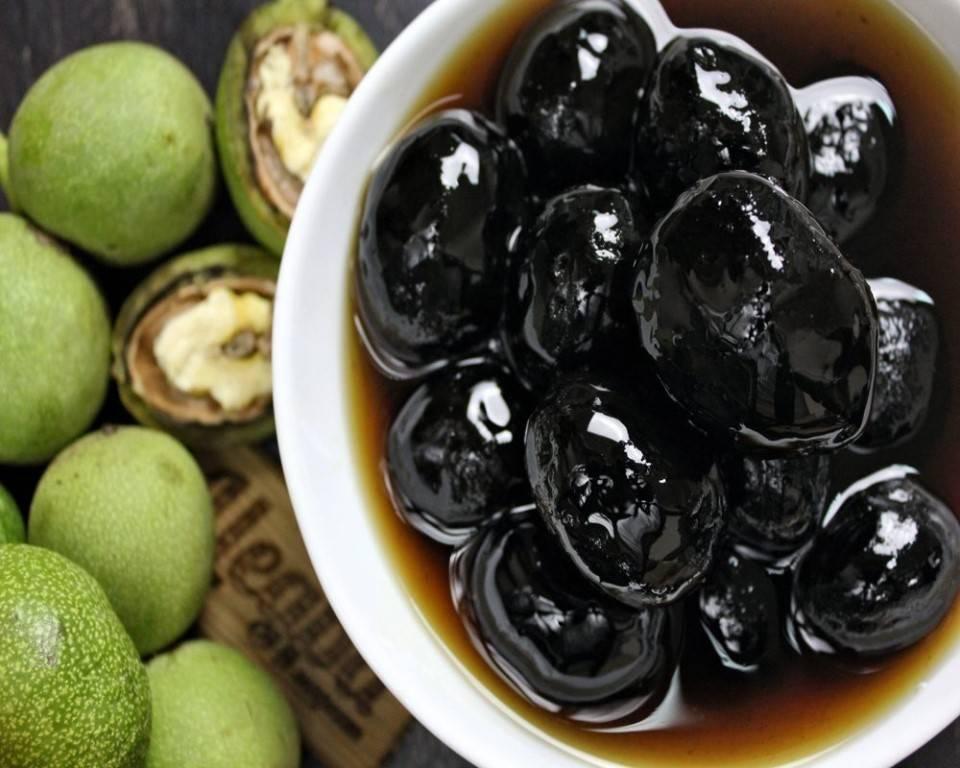 Как правильно сварить варенье из зеленых грецких орехов?