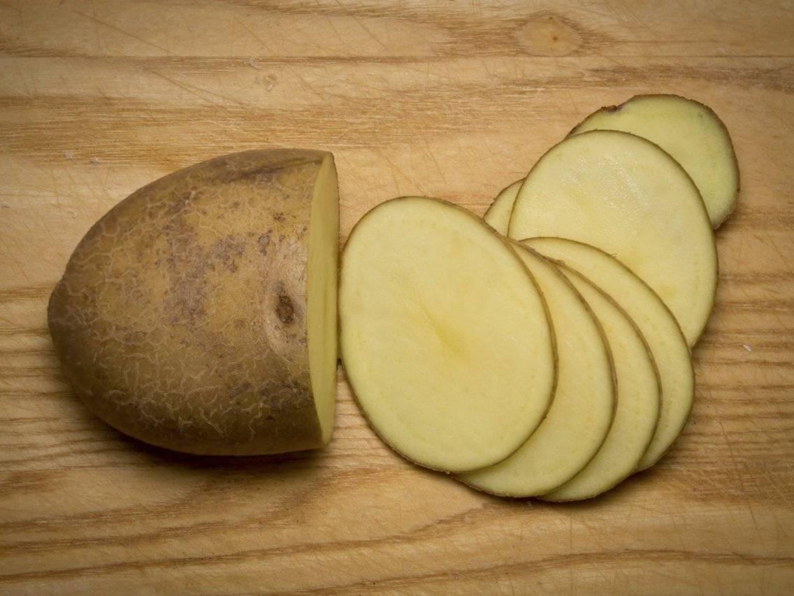 Осторожно, яд! почему не желательно употреблять в пищу зеленую картошку?