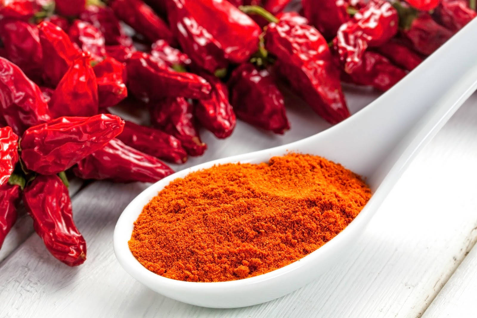 Красный молотый перец польза и вред