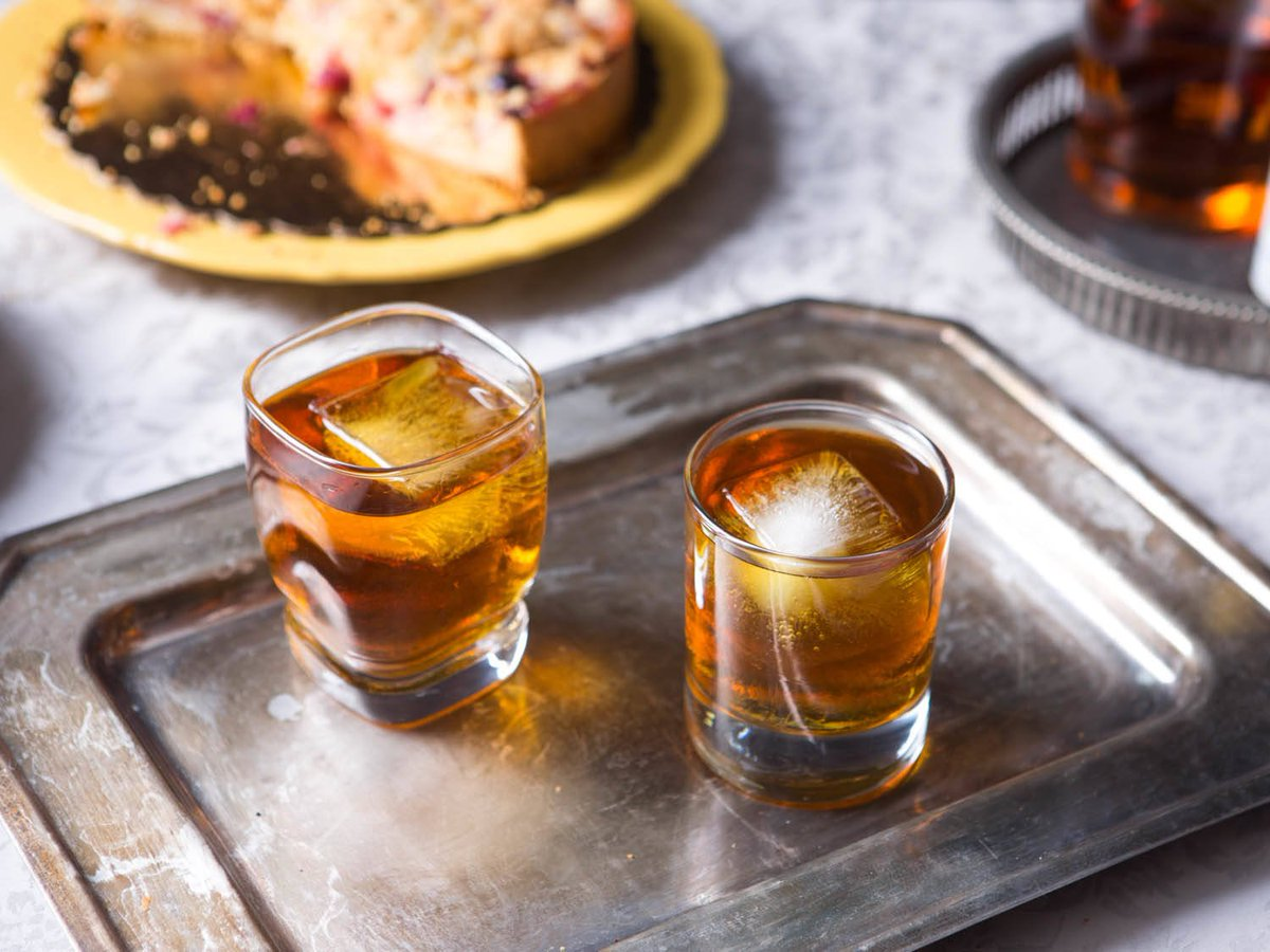 Как правильно пить крепкие напитки