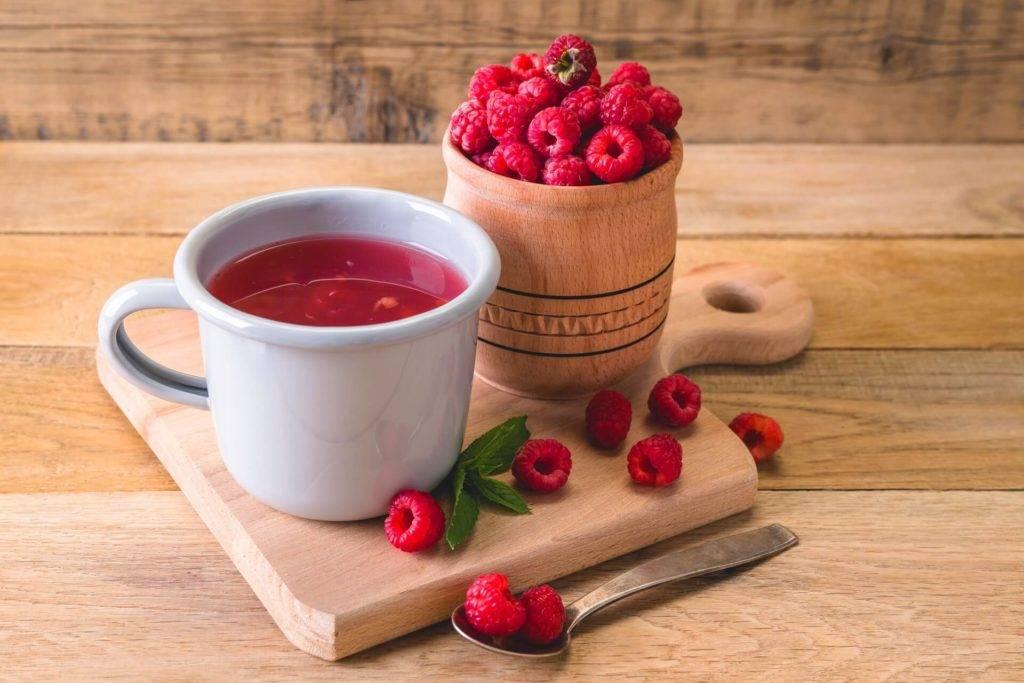 Чай с малиной при простуде: польза и вред, рецепты, правила заваривания, противопоказания