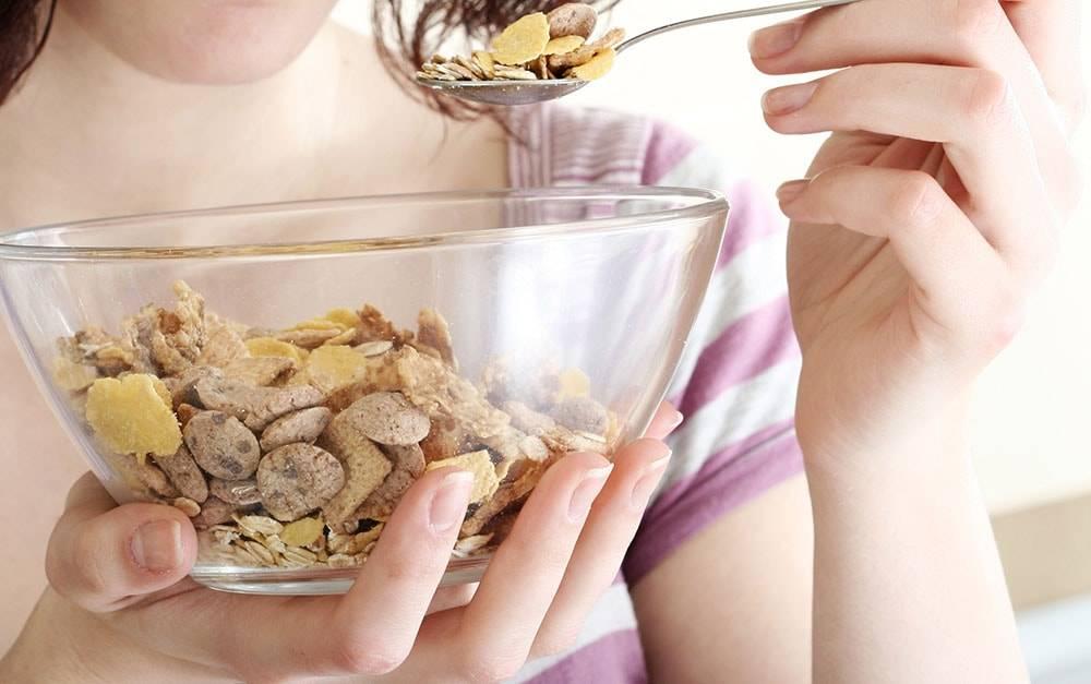 Мюсли — польза и вред для похудения: как приготовить правильный завтрак