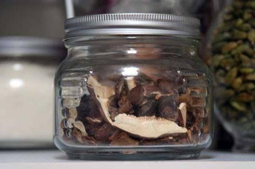 Как правильно хранить сушёные грибы