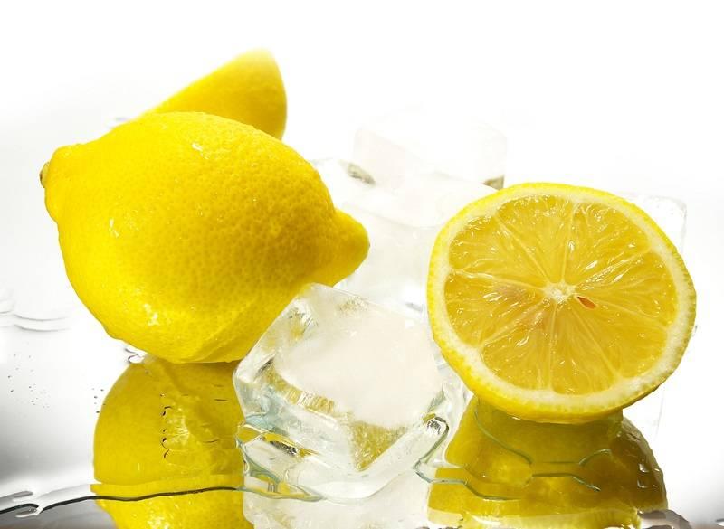 Эксперты рекомендуют употреблять замороженный лимон: польза для человека