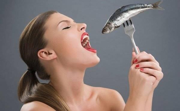 Чем полезна селедка (свежая и соленая): сколько в ней калорий, как влияет на организм