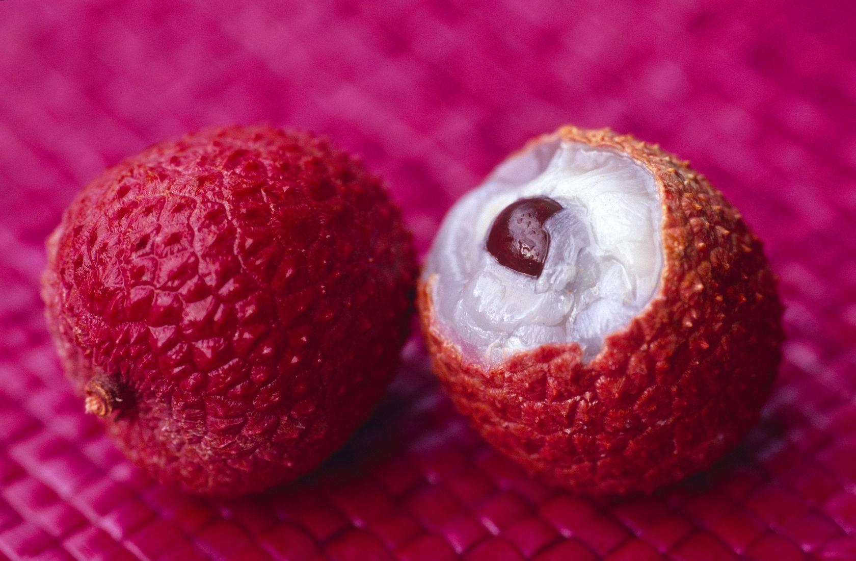 Личи фрукт: полезные свойства и кому его есть нельзя