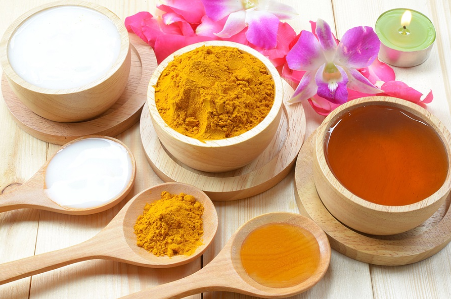 Как приготовить «золотое молоко» и почему оно так ценится в индии?