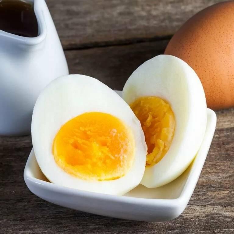 Как варить яйца, чтобы они хорошо чистились? сколько варить яйца после закипания?