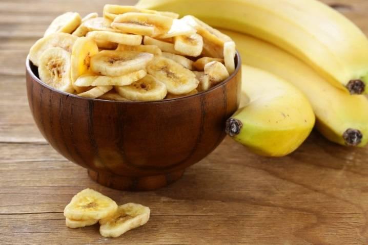 Сушеные бананы: польза и вред для организма человека