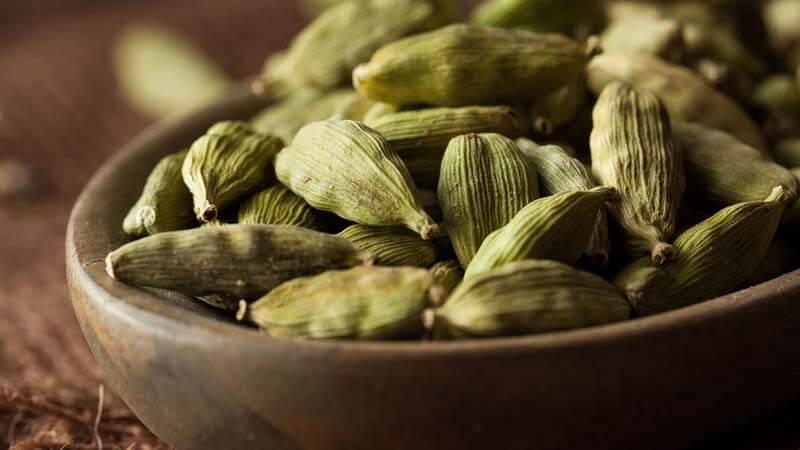 Польза и вред кардамона для здоровья организма